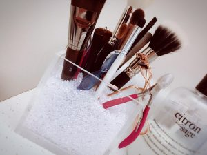 makeup brush holders