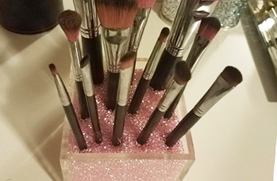 Step-4-Organize-your-makeup-brushes width=