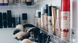 best way to store makeup